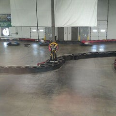Photo taken at Fastkart Indoor Speedway by Erica R. on 4/20/2012