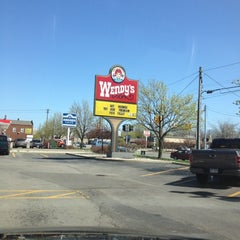 Photo taken at Wendy's by K C. on 4/2/2012