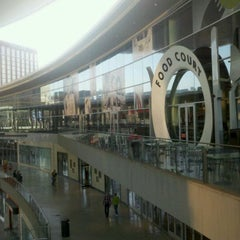 Photo taken at Food Court by Chester Paul S. on 3/26/2012