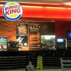 Photo taken at Burger King by Filipe Q. on 8/19/2012