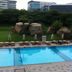 Photo taken at The Westin Hyderabad Mindspace by Fatih K. on 6/21/2012