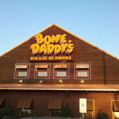 Photo taken at Bone Daddy's House of Smoke by Shannon on 3/13/2012