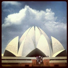 Photo taken at Lotus Temple (Bahá'í House of Worship) by Ed H. on 7/11/2012