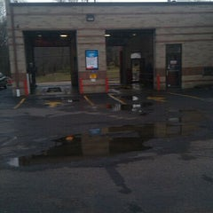 Photo taken at Valvoline Instant Oil Change by Tom L. on 2/29/2012