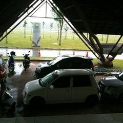 Photo taken at Pejabat Tanah Dan Galian, Johor by Airolz on 7/7/2012