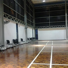Photo taken at Cyber City Apartment 2 Gymnasium, Badminton Court and Pool by suhaimi a. on 2/4/2012