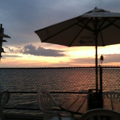 Photo taken at Hoak's Lakeshore Restaurant by Kevin on 7/22/2012