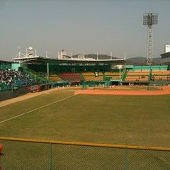 Photo taken at 청주종합운동장 야구장 (Cheongju Baseball Stadium) by 상수 전. on 4/28/2012