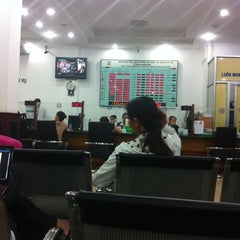 Photo taken at Vietcombank Phu Tho by Thu Hang L. on 9/6/2012