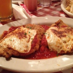 Photo taken at Buca di Beppo Italian Restaurant by Roger on 5/28/2012