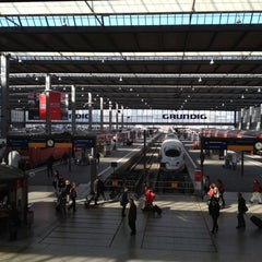 Photo taken at München Hauptbahnhof by Christopher D. on 3/28/2012