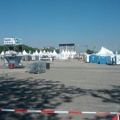 Photo taken at Red Bull Flugtag by Volker H. on 5/28/2012