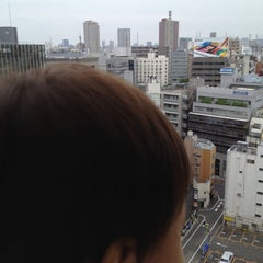 Photo taken at ヤマハミュージックアベニュー新宿クラッセ by Ichiro S. on 7/1/2012