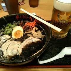 Photo taken at Terakawa Ramen by Kaz Y. on 8/20/2012