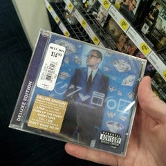 Photo taken at Best Buy by Jesse B. on 7/3/2012