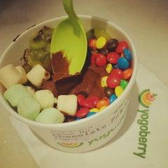 Photo taken at Yogoberry Original by Pablo N. on 4/28/2012
