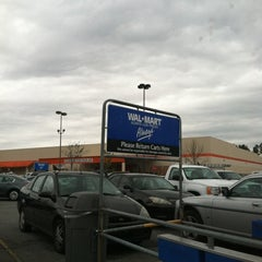 Photo taken at Walmart Supercenter by Robin A. on 5/7/2012