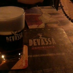 Photo taken at Cervejaria Devassa by Kelen Paiva on 4/28/2012