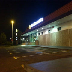 Photo taken at McDonald's by Mário C. on 6/30/2012