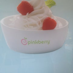 Photo taken at Pinkberry by Ana S. on 5/27/2012