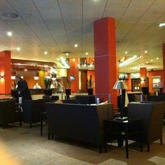 Photo taken at Sheraton Frankfurt Congress Hotel by Jack Cp F. on 2/21/2012