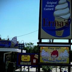 Photo taken at Erma's Frozen Custard by Oana F. on 5/19/2012