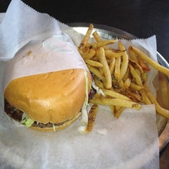 Photo taken at Back Alley Burger by Amy R. on 8/26/2012