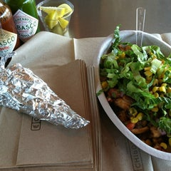 Photo taken at Chipotle Mexican Grill by Jonathan H. on 8/4/2012