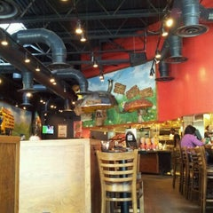 Photo taken at Mellow Mushroom by Natasha W. on 5/2/2012