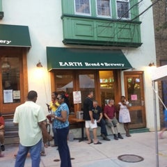 Photo taken at Earth Bread & Brewery by Gary H. on 8/16/2012