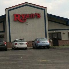 Photo taken at Ryan's by Julie P. on 8/25/2012