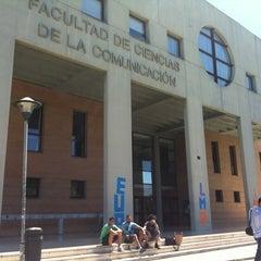 Photo taken at Facultad de Ciencias de la Comunicación by Galería C. on 5/23/2012