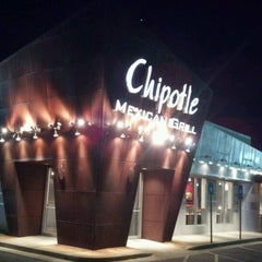 Photo taken at Chipotle Mexican Grill by Igor P. on 5/10/2012
