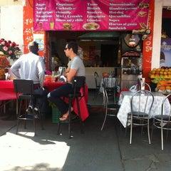 Photo taken at jugos, licuados y más..LULU by Pablo Z. on 4/13/2012