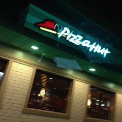 Photo taken at Pizza Hut by Maci B. on 4/15/2012