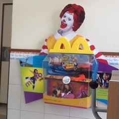 Photo taken at McDonald's by Rodnei Z. on 5/16/2012