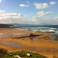 Photo taken at Playa Atxabiribil / Arrietara Hondartza by elena g. on 2/12/2012