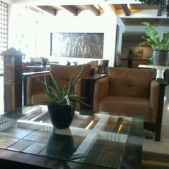 Photo taken at Hotel & Restaurant Sari Kuring Indah by Nurul A. on 2/18/2012