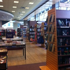 Photo taken at Chapters by Claudia F. on 6/11/2012