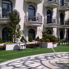 Photo taken at Sura Design Hotels & Suites by NUR S. on 8/14/2012