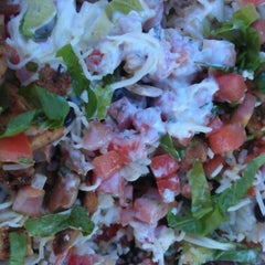 Photo taken at Chipotle Mexican Grill by Robin W. on 8/22/2012