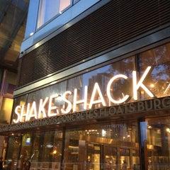 Photo taken at Shake Shack by John R. on 8/11/2012