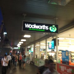 Photo taken at Woolworths by Sirawate (Taie) C. on 2/13/2012
