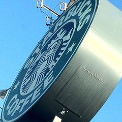 Photo taken at Starbucks by Rashida J. on 5/27/2012