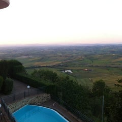 Photo taken at Dei Capitani Hotel Montalcino by Fernando C. on 5/15/2012