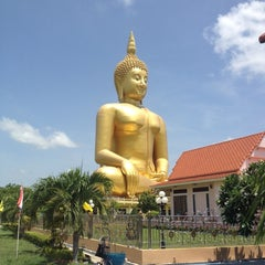Photo taken at วัดม่วง (Wat Muang) by Taotaow on 6/4/2012