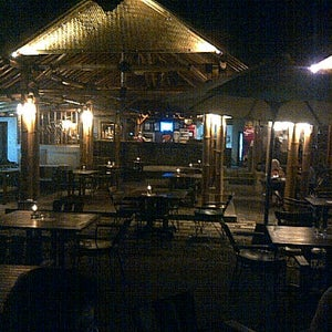 Sea Breeze Bar & Restaurant