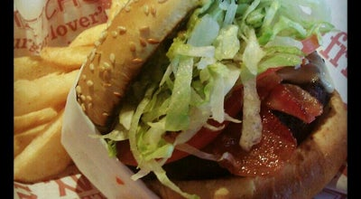 Photo of Burger Joint Red Robin Gourmet Burgers at 10240 W Mcdowell Rd, Avondale, AZ 85392, United States