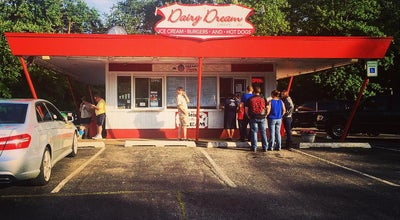 Photo of Ice Cream Shop Dairy Dream Drive-In at 1229 W Park Ave, Libertyville, IL 60048, United States