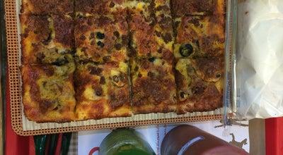 Photo of Fast Food Restaurant Daheh Shast Pizza and Sandwich | پیتزا ساندویچ دهه شصت at Omidvar St., Tehran, Iran
